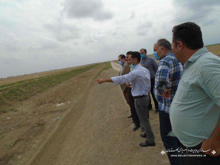 بازدید مدیر نظام فنی و اجرایی از اقدامات شرکت آب منطقه ای در طرح زهکشی اراضی 280000 هکتاری استان